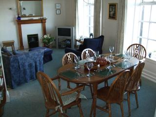 Comfortable Condo with Toaster and Stove - Arnside vacation rentals