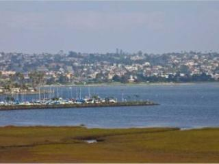 Crown Point Villa with view of bay! - Pacific Beach vacation rentals