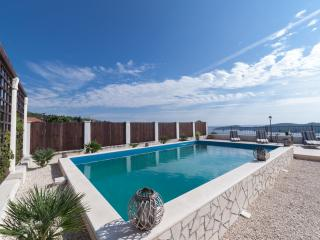 Villa with pool for 16 people - Dubrovnik vacation rentals