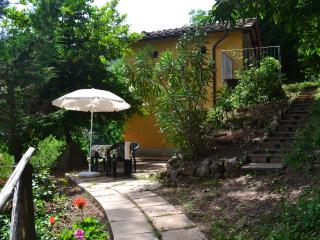 Nice Cottage with Internet Access and Outdoor Dining Area - Villa Basilica vacation rentals