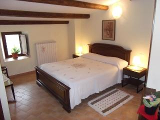 Bed and Breakfast San Marco Miniappartamento - Pacentro vacation rentals
