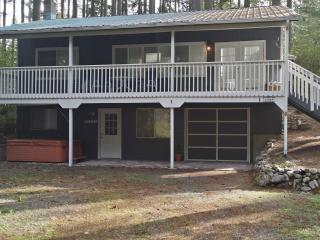 2 bedroom House with Deck in Anderson Island - Anderson Island vacation rentals