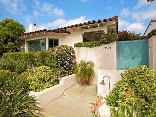 Casa Paloma: Classic Mission Hills + Enchanting Courtyard Close to EVERYTHING - Pacific Beach vacation rentals