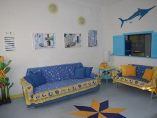 Beautiful 1 bedroom Condo in San Vito lo Capo with A/C - San Vito lo Capo vacation rentals