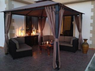Cozy Villa with Internet Access and Dishwasher - Steni vacation rentals