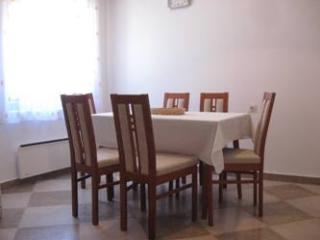 Lovely 2 bedroom Apartment in Vodice with Towels Provided - Vodice vacation rentals