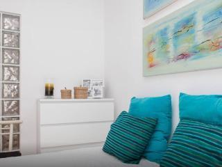 Blue house - Sesimbra beach - wifi - Sesimbra vacation rentals