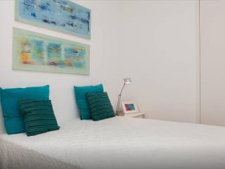 Blue house - Sesimbra. Beach - WIFI - Sesimbra vacation rentals