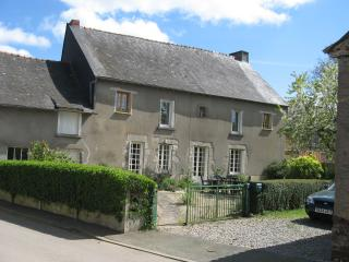 Comfortable House with Internet Access and Cleaning Service - Illifaut vacation rentals