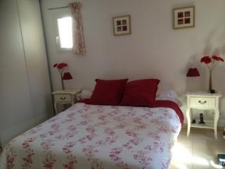 chambre d hotes 3 epis sur golf Pont Royal - Mallemort vacation rentals