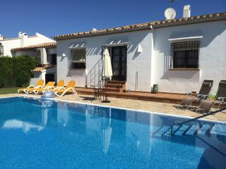 Bright 3 bedroom L'Estartit Villa with Internet Access - L'Estartit vacation rentals