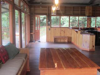 Jungle house next to Refugio La Brisa Del Diablo - Hornito vacation rentals