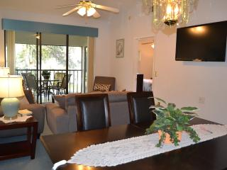 Spacious 2BR/2BA. Minutes from IMG and Beaches. - Bradenton vacation rentals