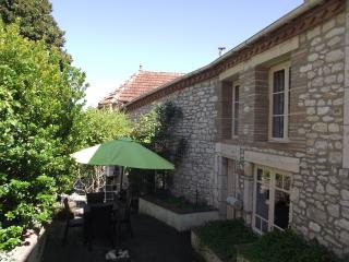 Lovely 2 bedroom Lauzerte Cottage with Internet Access - Lauzerte vacation rentals