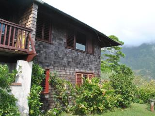 Charming Bungalow with Balcony and Microwave - Newcastle vacation rentals