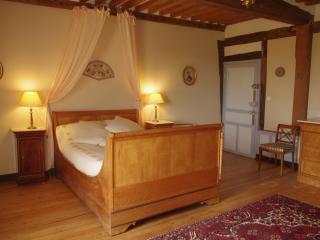 Chambre double OPERA. Salle de bains et WC - Vieux-Pont-en-Auge vacation rentals