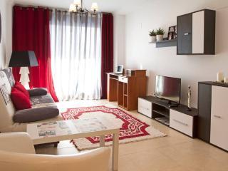 Beautiful and Comfortable Apartment. A/C - Benidorm vacation rentals