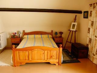 chambre spacieuse en périgord - Lalinde vacation rentals