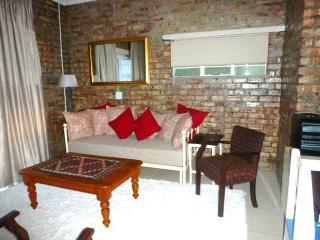 Lovely 1 bedroom Apartment in Durbanville - Durbanville vacation rentals