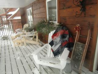 Nice Cottage with Internet Access and Balcony - Tiny vacation rentals