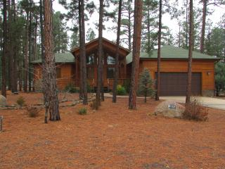 1900 sq ft Pinetop-Lakeside cabin sleeps 9 - Pinetop vacation rentals