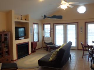 3 BR, 2 Bath Close To Beach, Boardwalk And Rides in Ocean City - Ocean City vacation rentals