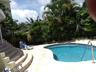 Beautiful 2 bedroom Holetown Villa with A/C - Holetown vacation rentals
