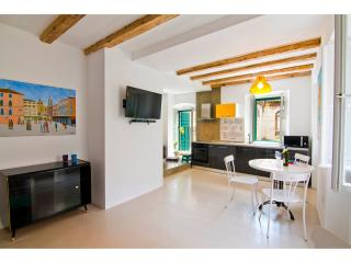 Luxury apartment Diocletian Pearl - Split vacation rentals