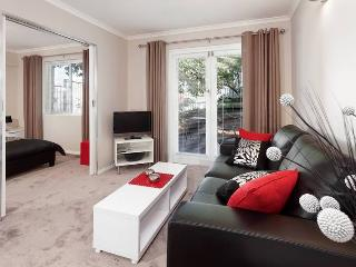 Perfect Condo with Internet Access and Iron - Nedlands vacation rentals