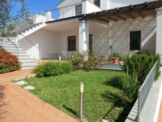 Appartamento al mare Elisa con cortile e veranda - Bari Sardo vacation rentals