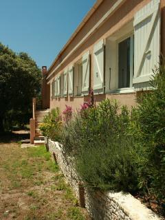 Bright 5 bedroom House in Bonifacio with Internet Access - Bonifacio vacation rentals