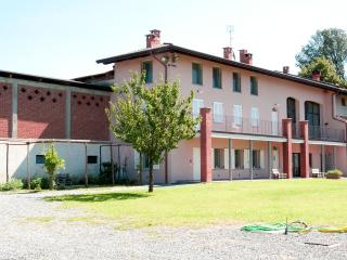 2 bedroom Bed and Breakfast with Internet Access in Cavaglia - Cavaglia vacation rentals