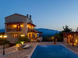 Bright Villa in Plaka with Internet Access, sleeps 9 - Plaka vacation rentals
