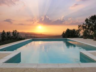 Casa del Tramonto (House of the Sunset) 3 apts. - Civitella in Val di Chiana vacation rentals