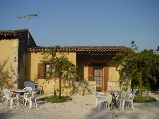 Comfortable 2 bedroom Razac-d'Eymet Cottage with Internet Access - Razac-d'Eymet vacation rentals