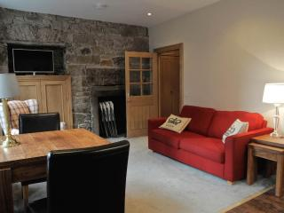 Old Town Royal Mile by Castle - Edinburgh vacation rentals