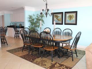 Beautiful Blue Horizon Villa - North Myrtle Beach vacation rentals
