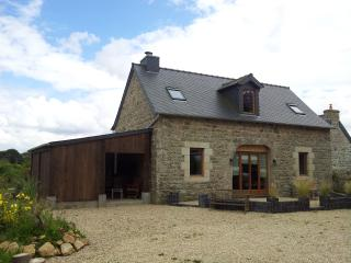 3 bedroom Barn with Internet Access in Lanrivain - Lanrivain vacation rentals