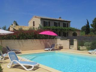 LS1-196 MENUDA in Saint Rémy de Provence ! - Bouches-du-Rhone vacation rentals