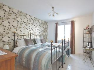 B and B,  Near Saintes/Royan - Bronze Luxury Room - Luchat vacation rentals
