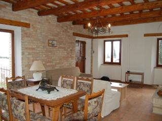 Nice Villa with Outdoor Dining Area and Television - Montecassiano vacation rentals