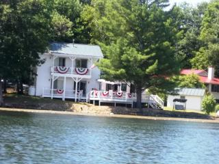 Spectacular Water Views From Every Room ~ Directly On Lake Hortonia, Vt. - Brandon vacation rentals