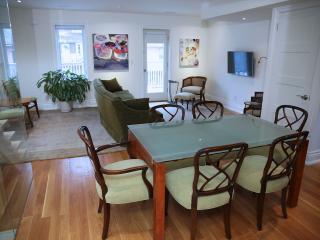 1500 sqft plus Renovated 2 Bedroom - Toronto vacation rentals