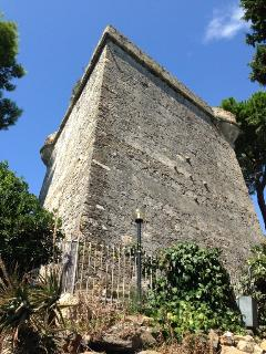 2 bedroom Castle with Internet Access in Santo Stefano al Mare - Santo Stefano al Mare vacation rentals