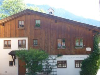 Vacation Apartment in Oberammergau - 1615 sqft, for familys, bright, quiet, central (# 4170) - Oberammergau vacation rentals