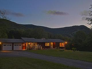 Charming home with mountain views - Hunter vacation rentals