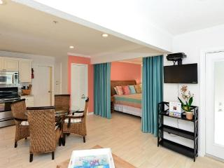 Hide-A-Way & Hibiscus Suite - Siesta Key vacation rentals
