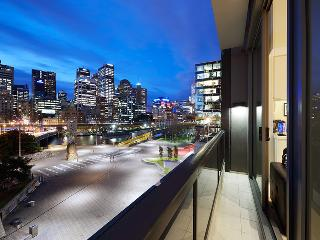 Waterfront PAZAZZ 1 Bedroom @ Freshwater Place - Melbourne vacation rentals