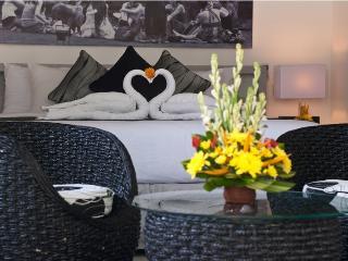 Large 5 Bedrooms Villa located in the Heart of Seminyak Close to Eat Street - Seminyak vacation rentals
