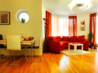 Sunny Apartment Oval Residence - April PROMO - Vienna vacation rentals